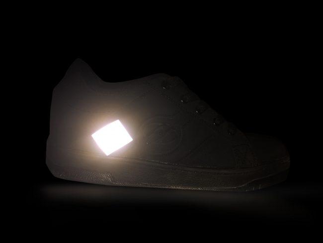 Zapatilla6 fondo negro